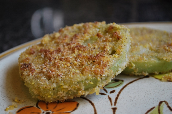 Fried Green Vegan Tomatoes