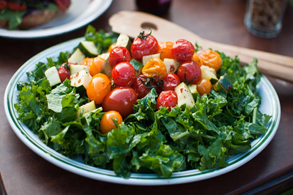 kale tomato salad