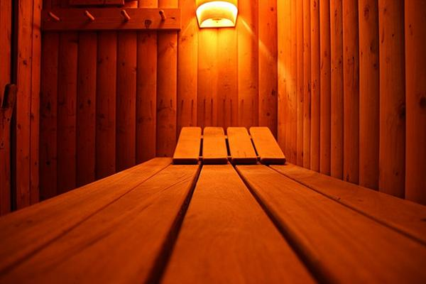 Sauna-by-comedy_nose