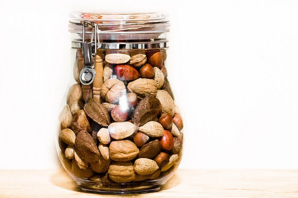Nut Consumption Reduces Heart Disease, Diabetes, and Obesity