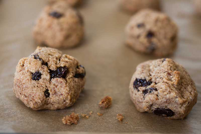 Recipe: Cinnamon Raisin Almond Cookie Munchies