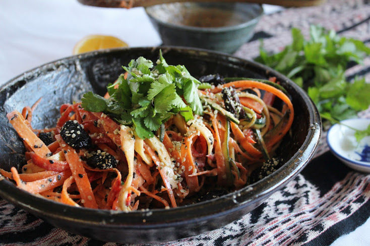 Recipe: Raw Rainbow Noodles with Spicy Jungle Peanut Sauce