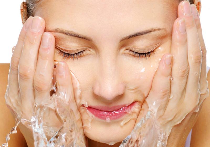 DIY Chemical-Free Acne Wash