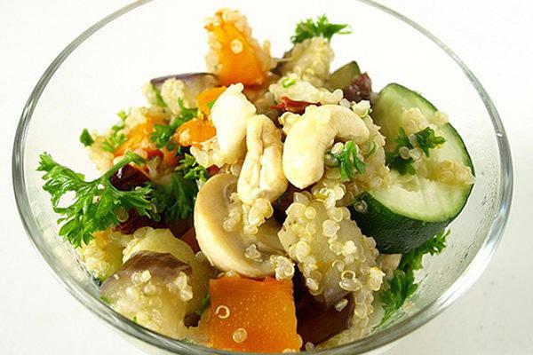 quinoa with cashews