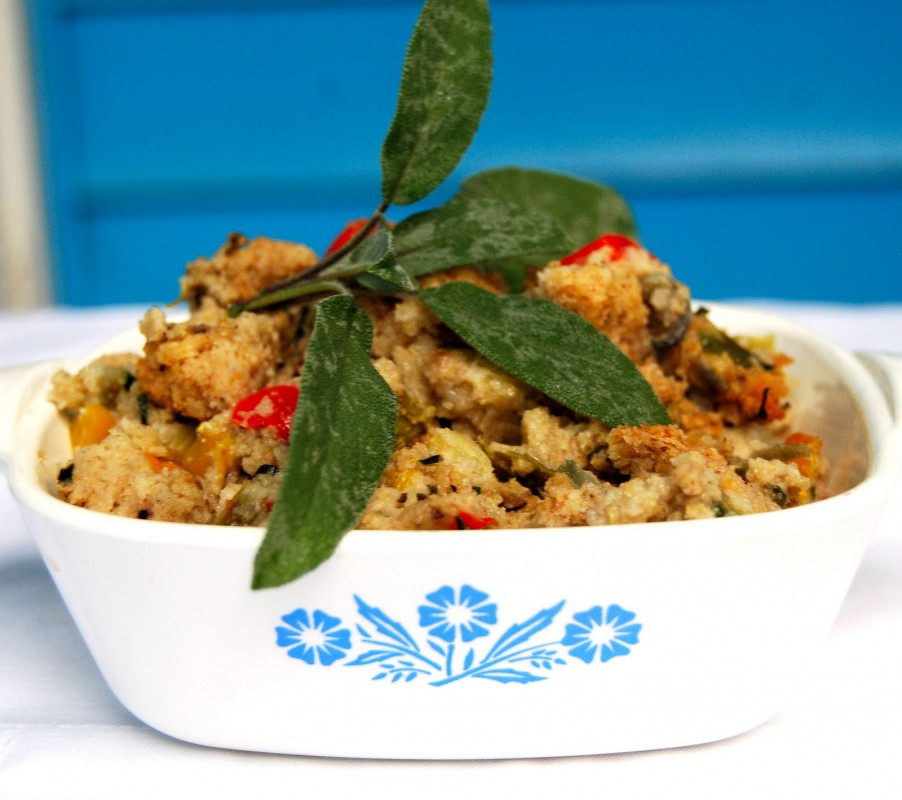 Cornbread Stuffing with Bell Peppers (Vegan)
