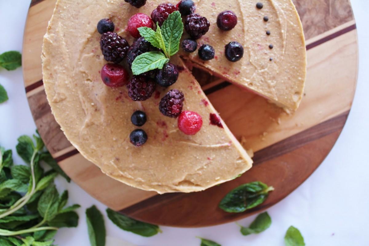 Strawberry Banana Cream Raw vegan Cake