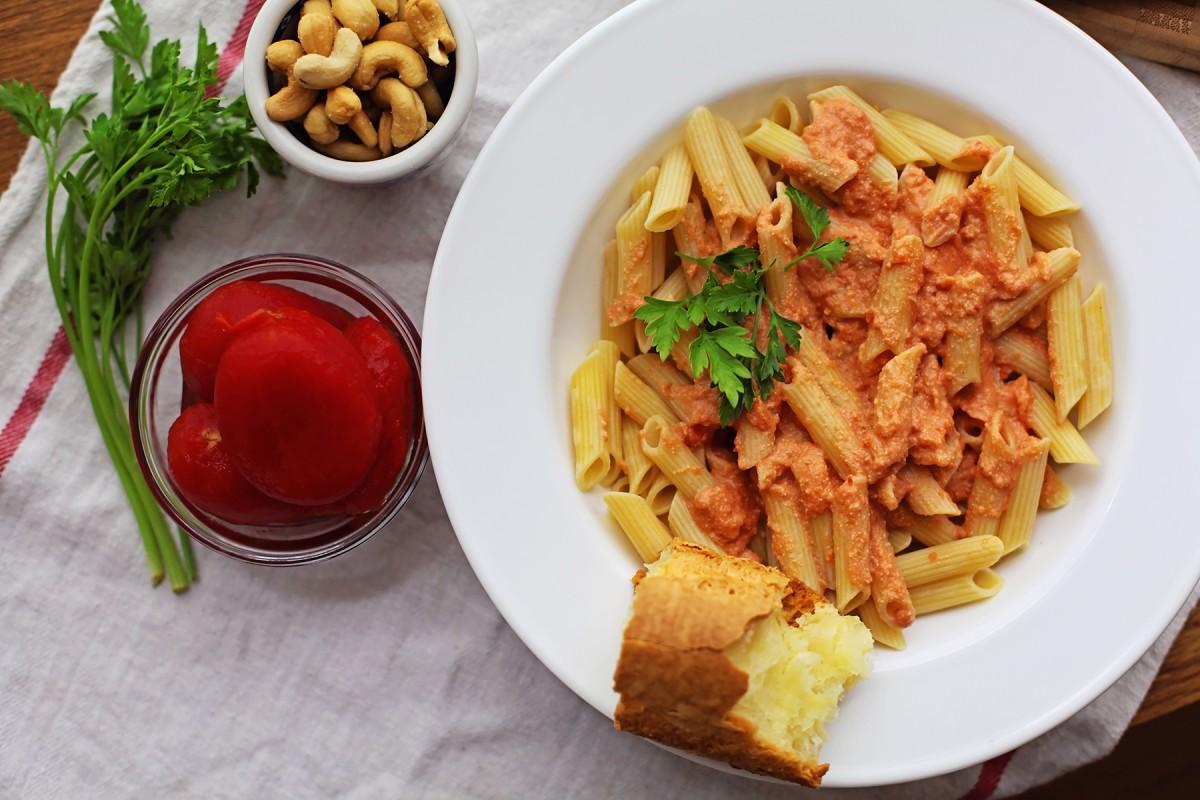 Pasta with vegan vodka sauce