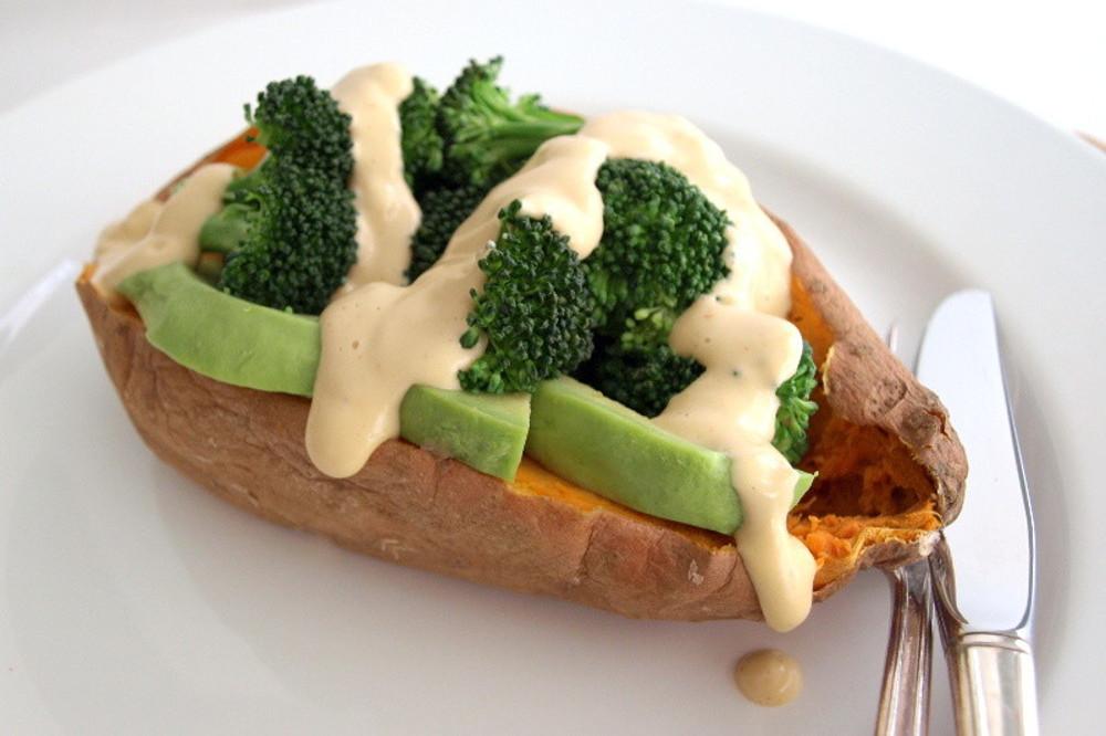 Baked_Stuffed_Sweet_Potato_+_Sriracha_Cashew_Cheese_Sauce
