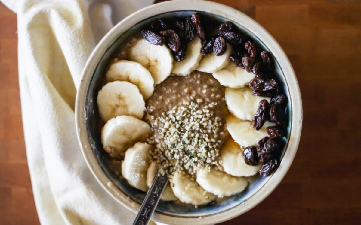 Wake Up To These Healthy and Flavor-Packed Oatmeal Bowls