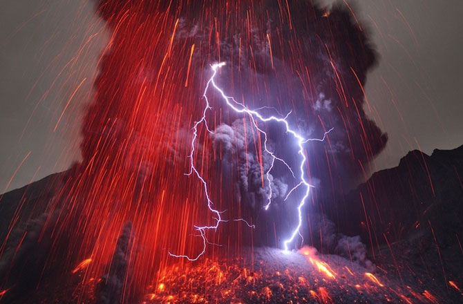 11 Natural Phenomenon You Won't Believe Didn't Involve Special Effects