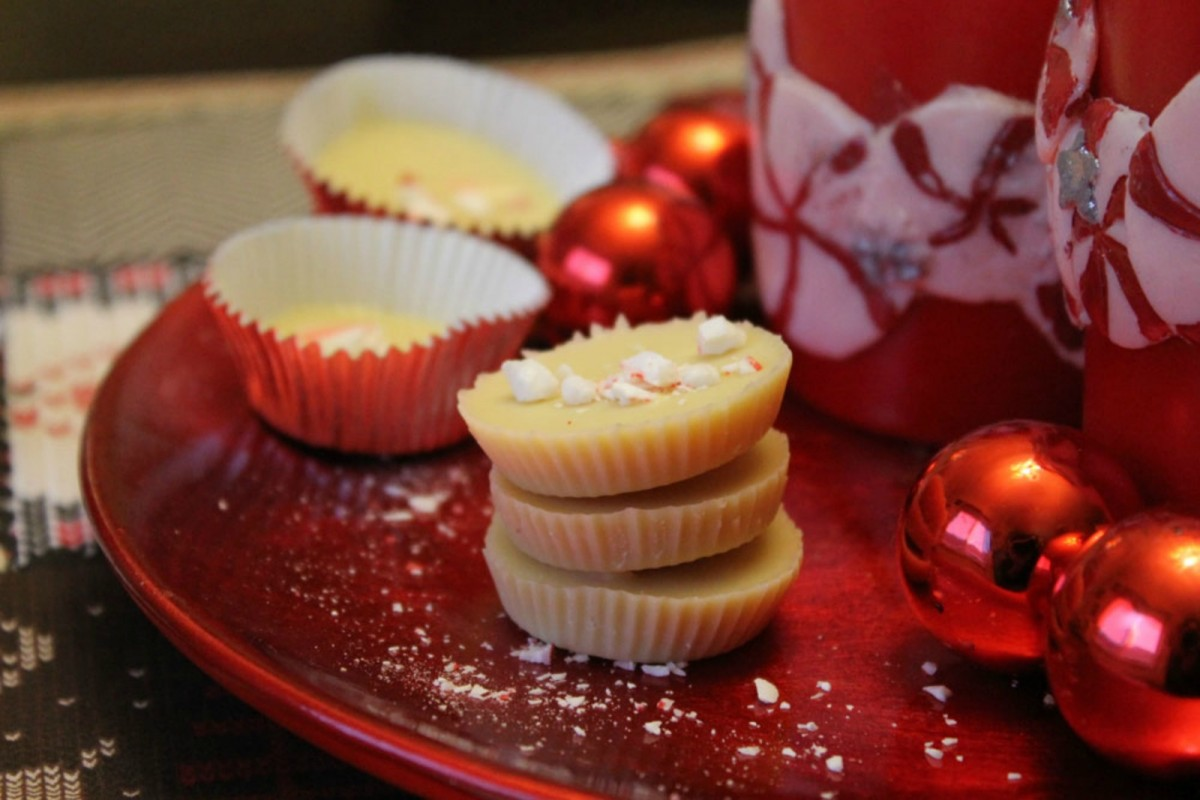 white-chocolate-candy-cane-cups-wide (1)