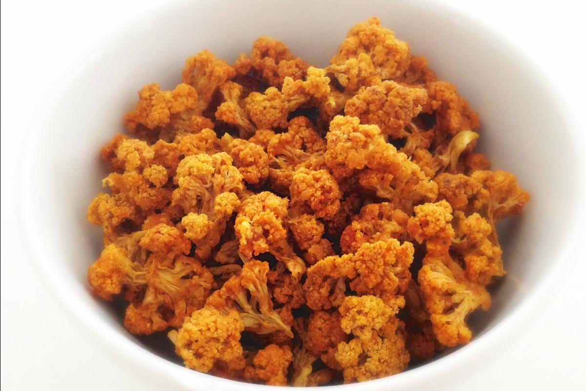 Cheesy Cauliflower Popcorn [Vegan, Raw, Gluten-Free]