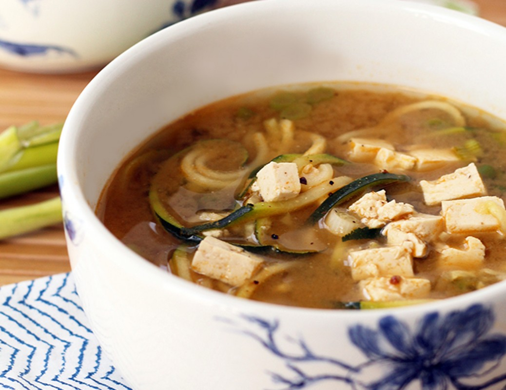 Miso-Green-Tea-and-Ginger-Zucchini-Noodle-Soup-With-Tofu--1038x800