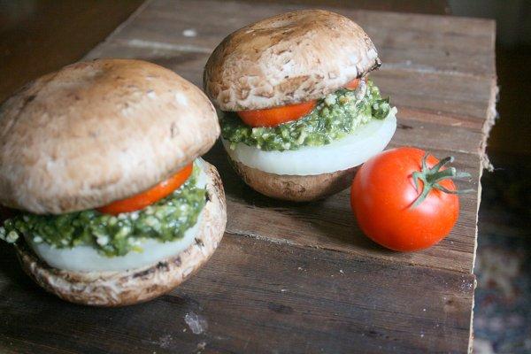 Pesto-Mushroom-Burger