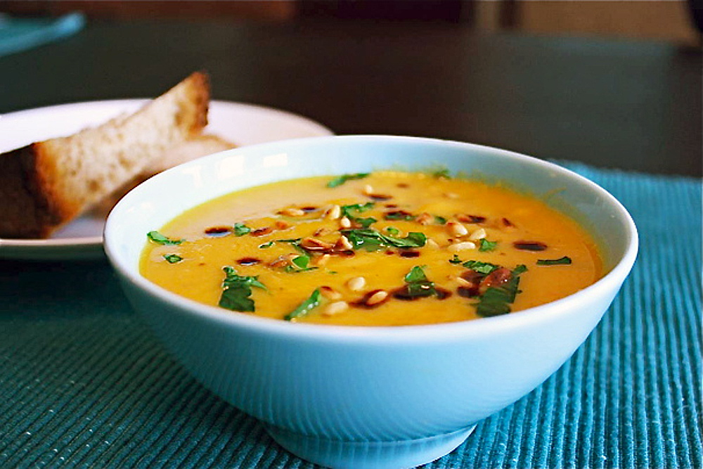 Roasted-winter-vegetable-soup