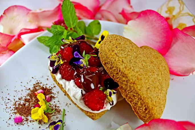 Chocolate-Raspberry-Shortcake