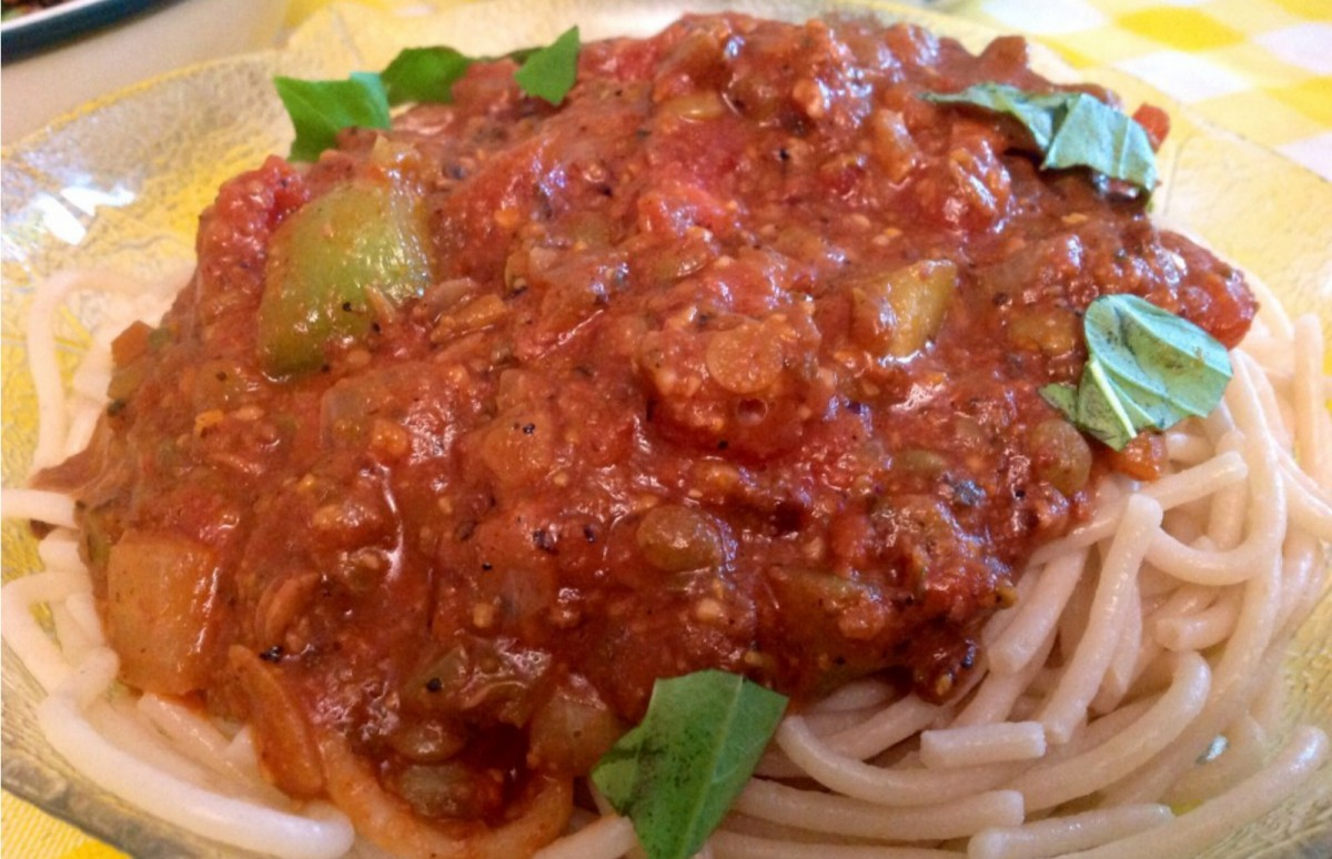 Pasta with Vegan Bolognese Sauce