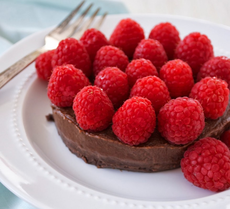 Raw-Chocolate-Cake-878x800
