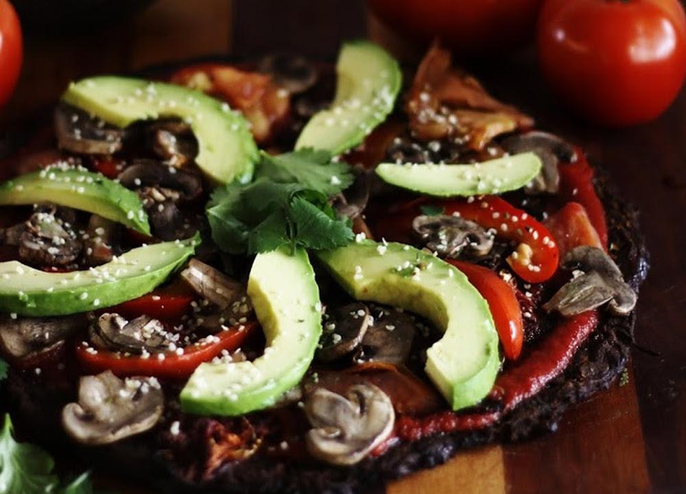 Ultimate-raw-vegan-pizza