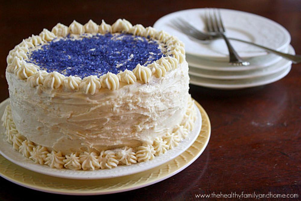 Vanilla-Birthday-Cake-with-Buttercream-Icing-Vegan (1)