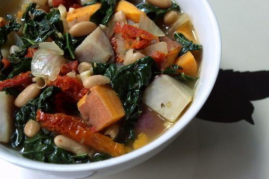 Winter-Potato-White-Bean-Kale-Soup (1)