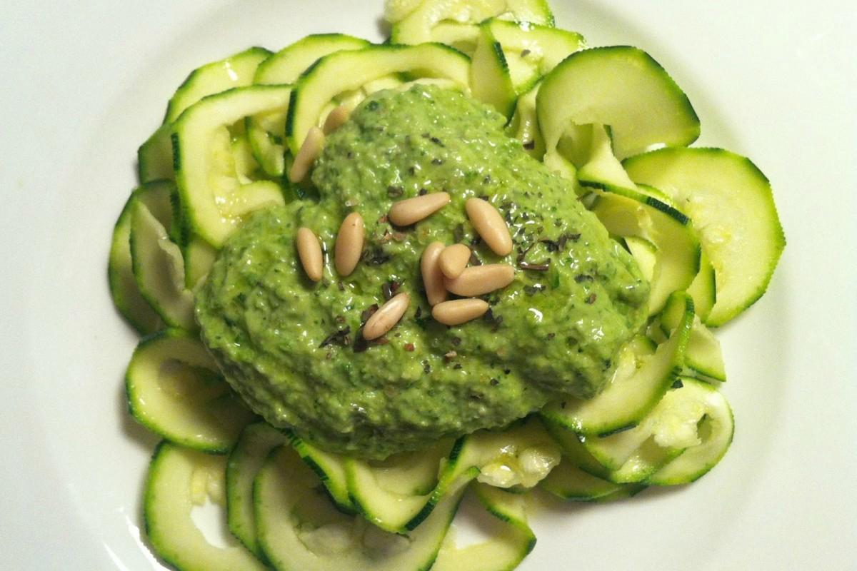 Zucchini-Pasta-With-Pesto-Sauce-Vegan-1200x800