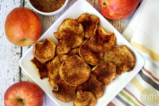 cinnamon-vanilla-apple-chips-vegan-1200x798