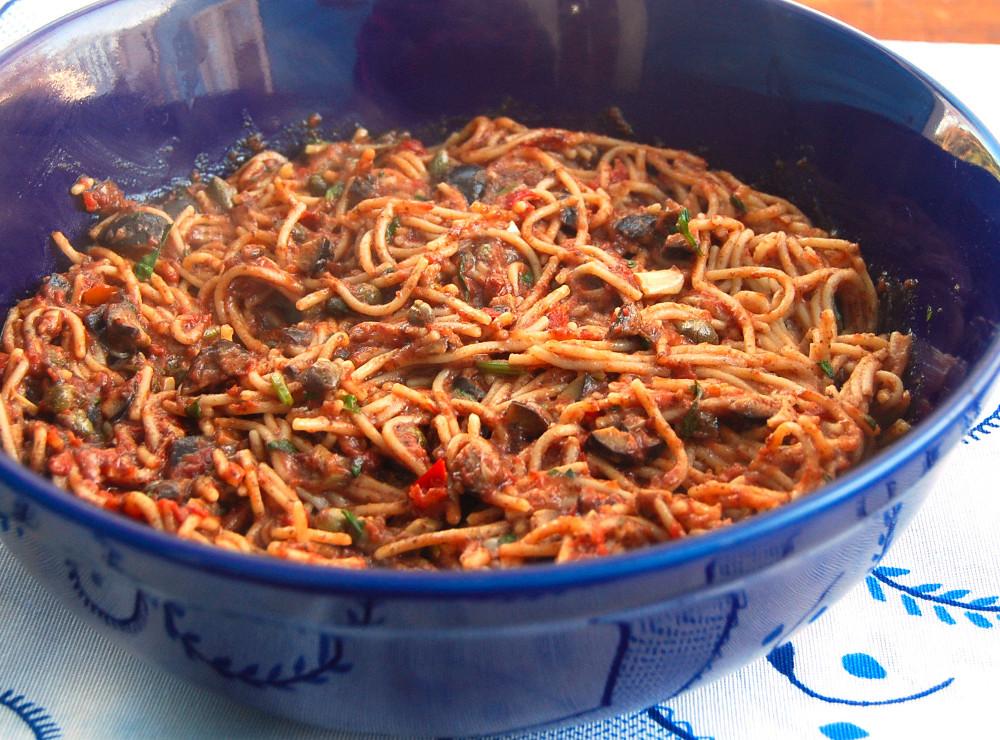 pasta-puttanesca (1)