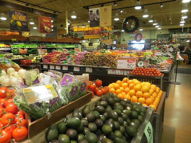How Shopping Waste Free is Better for Your Health and the Planet – Plus 3 Easy Tips to Help You Do it