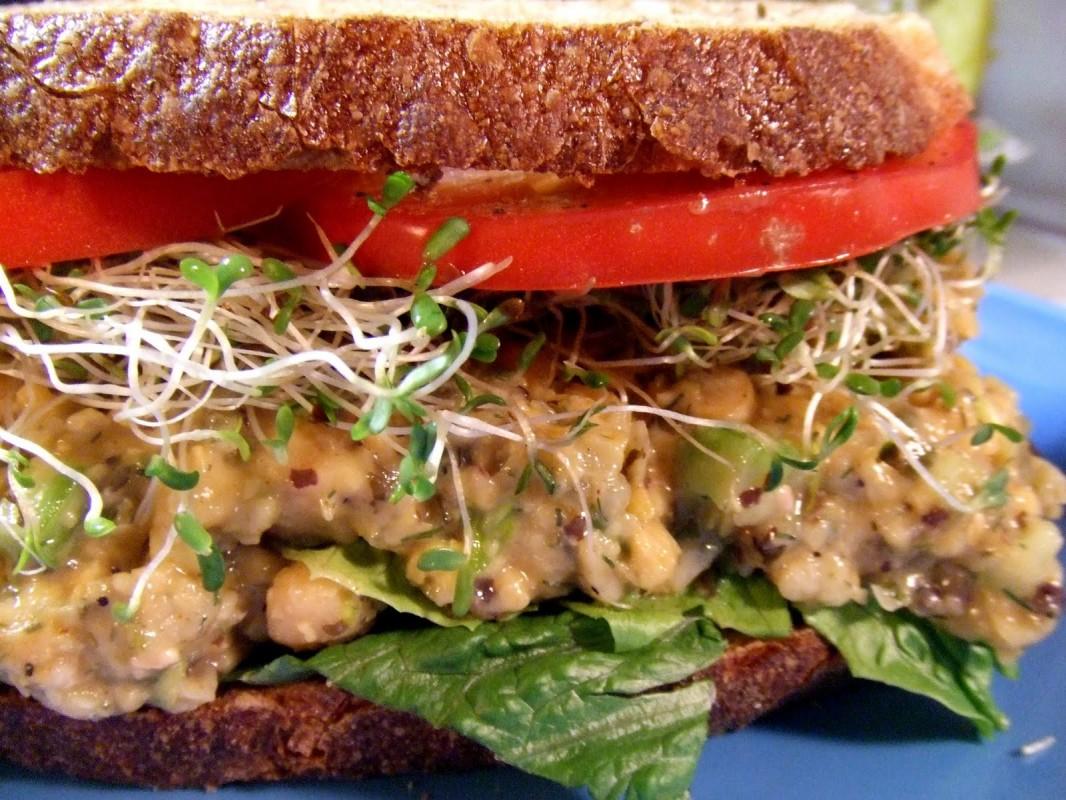 Chickpea-Tuna-Salad-Sandwich-1066x800 (1)