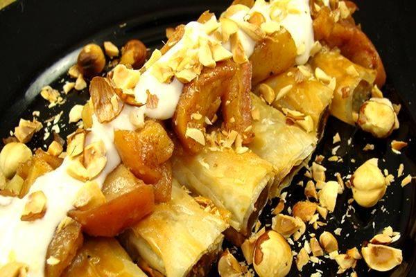 Golden-pumpkin-rolls