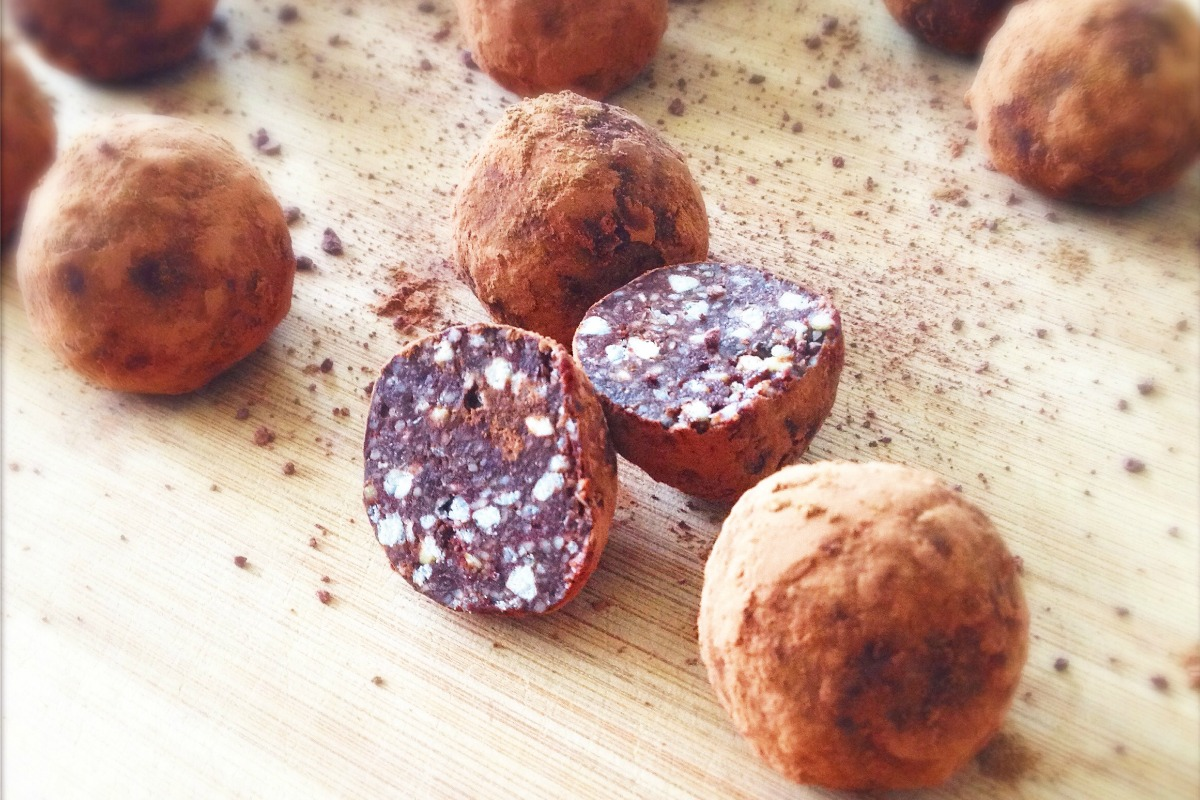 Warming Cardamom Chocolate Truffles [Vegan, Raw, Gluten-Free]
