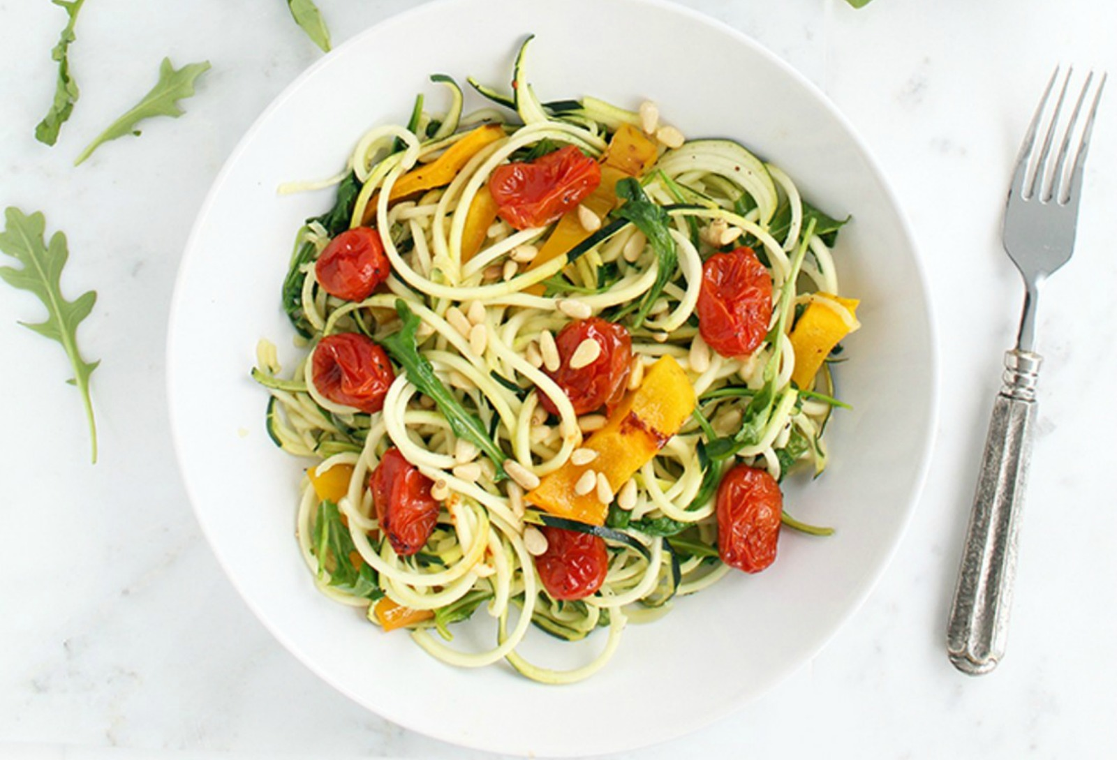 Roasted-Pepper-Zucchini-Pasta-with-Balsamic-Roasted-Tomatoes-Baby-Arugula-and-Toasted-Pine-Nuts-1098x800 (1)