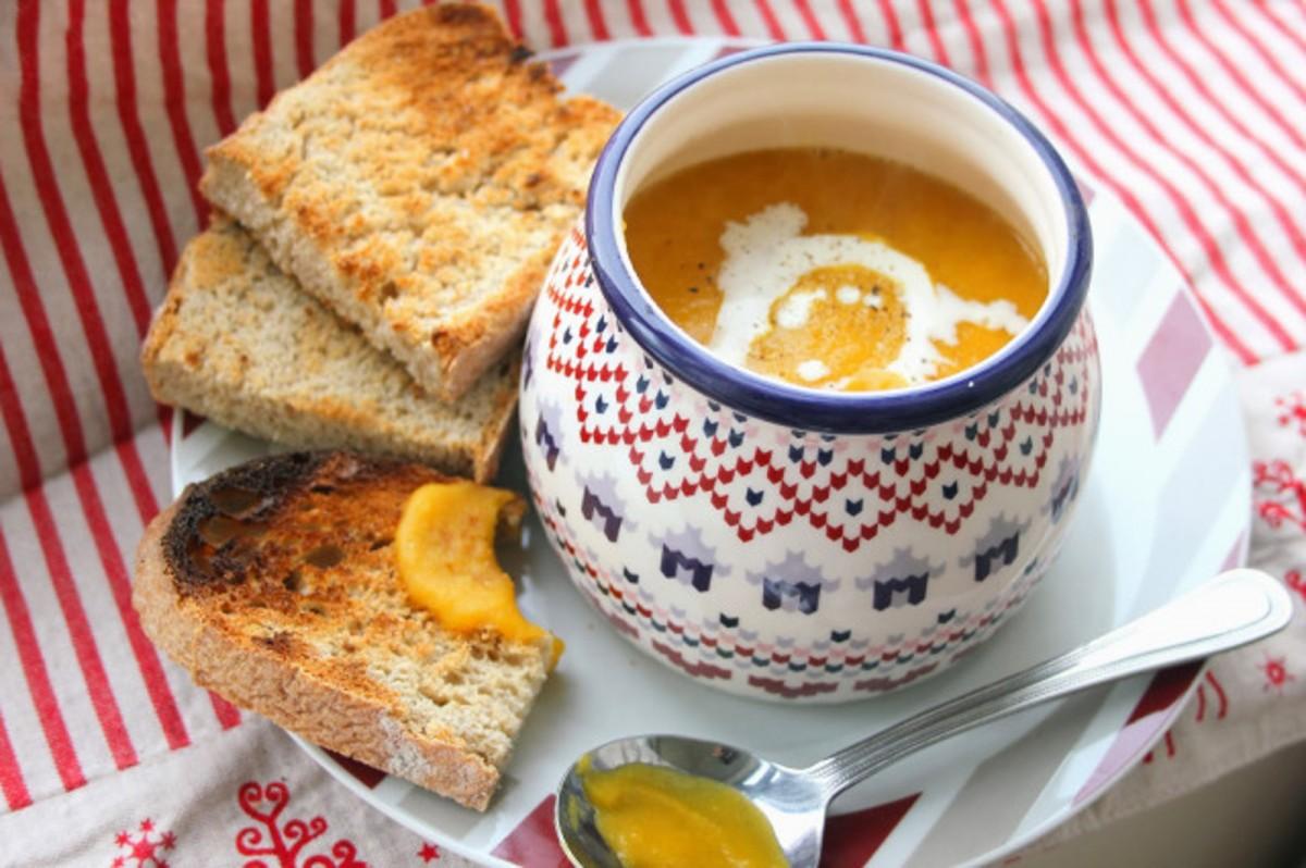 Sweet-Potato-Carrot-and-Leek-Soup-1200x798 (1)