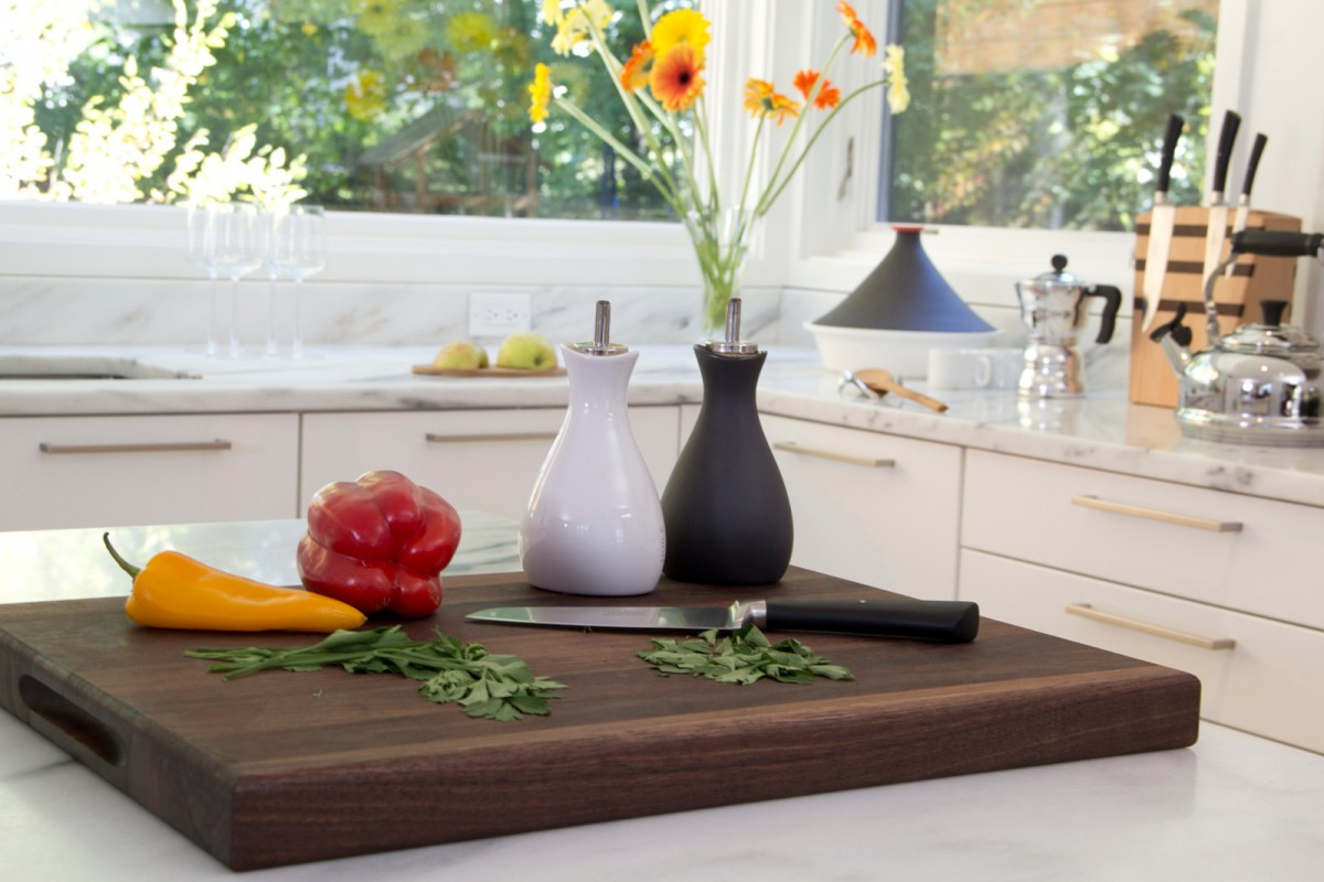 Vegan-Kitchen-Cutting-Board-1200x800