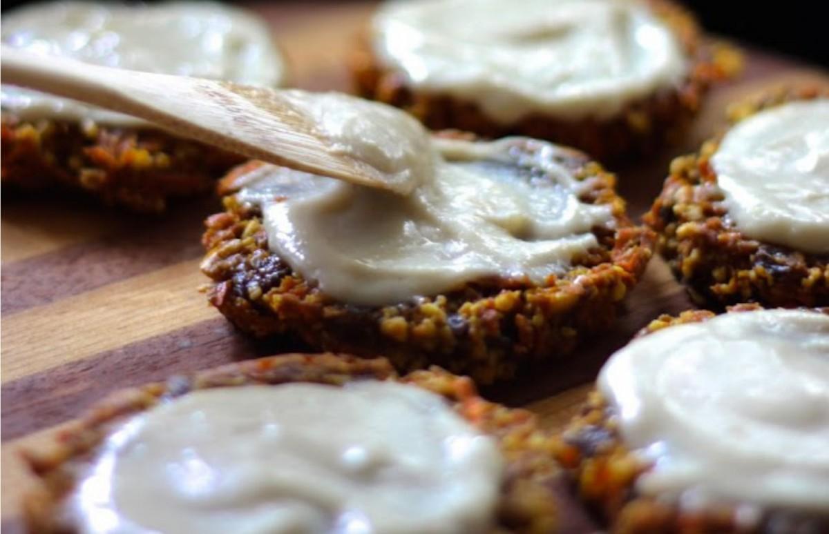 Carrot-Cake-Cookies-With-Lemon-Cream-Frosting-Vegan--1200x774