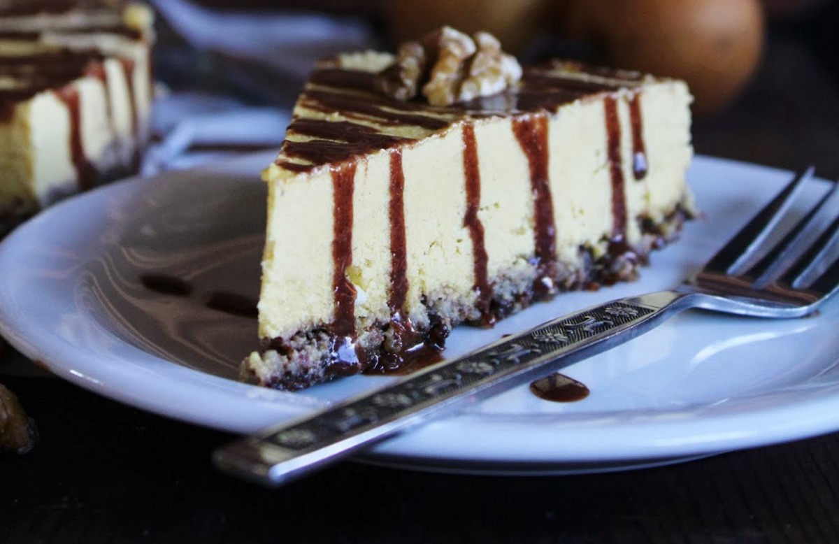 PUMPKIN-CASHEW-CREAM-CAKE-with-CHOCOLATE-SAUCE-1200x778