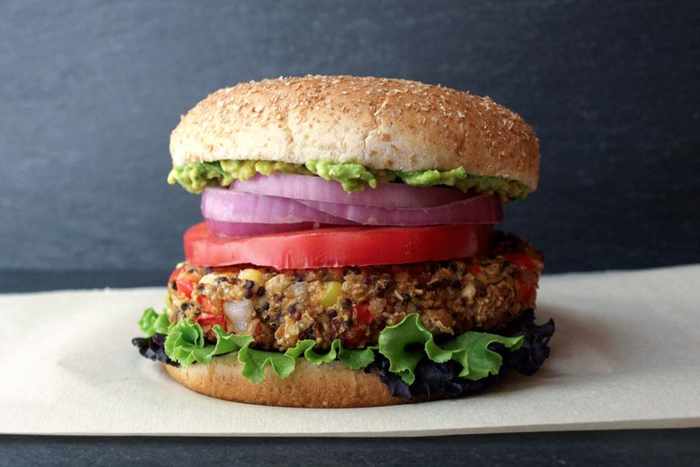 Quinoa-White-Bean-Burger (1)