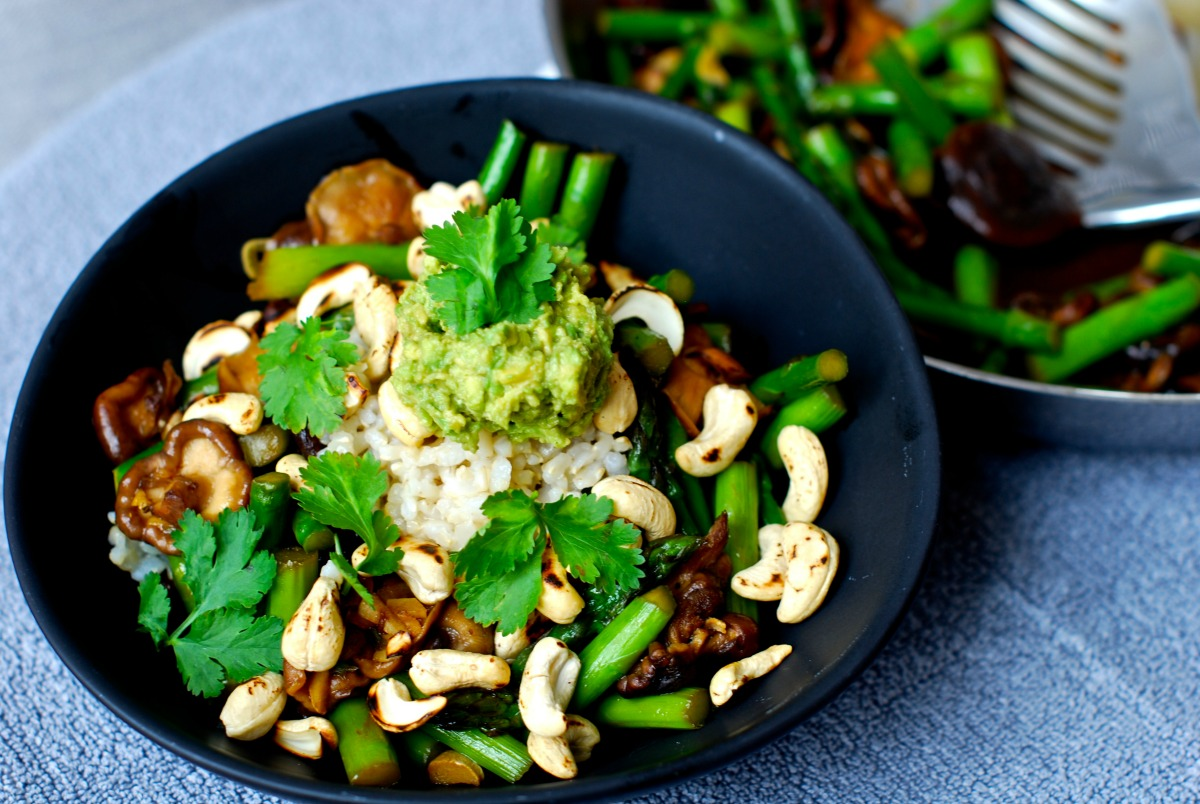 Shiitake Asparagus Stir Fry With Toasted Cashews and Wasabi Avocado Cream [Vegan, Gluten-Free]