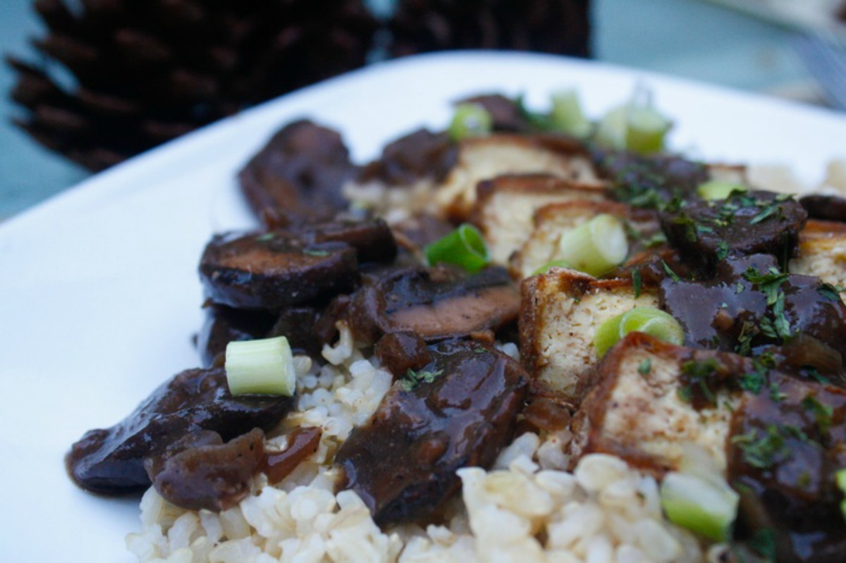 Baked Tofu With Red Wine Mushroom Sauce [Vegan]