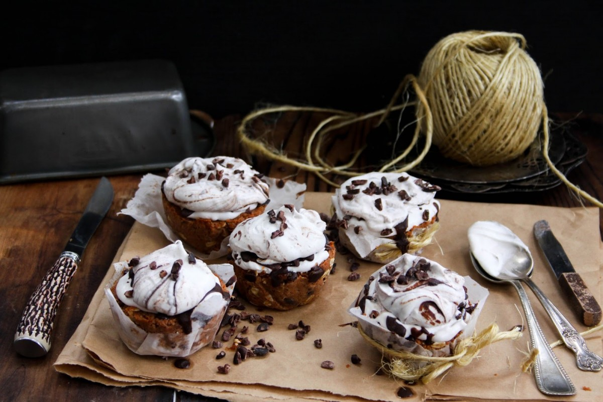 Carrot-Cake-Cupcakes-With-Whipped-Coconut-Cream-and-Chocolate-Vegan-1200x800 (1)