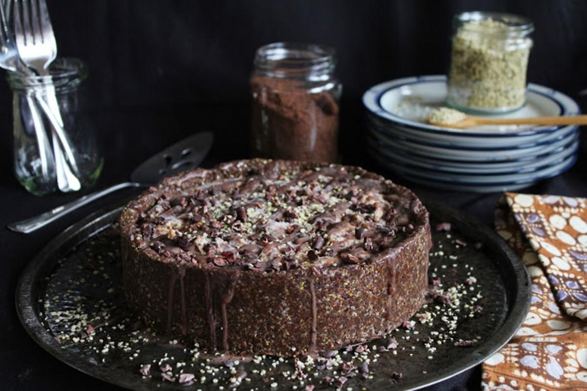 Deep-Dish-Chocolate-Peanut-Butter-Ice-Cream-Cake--1200x800