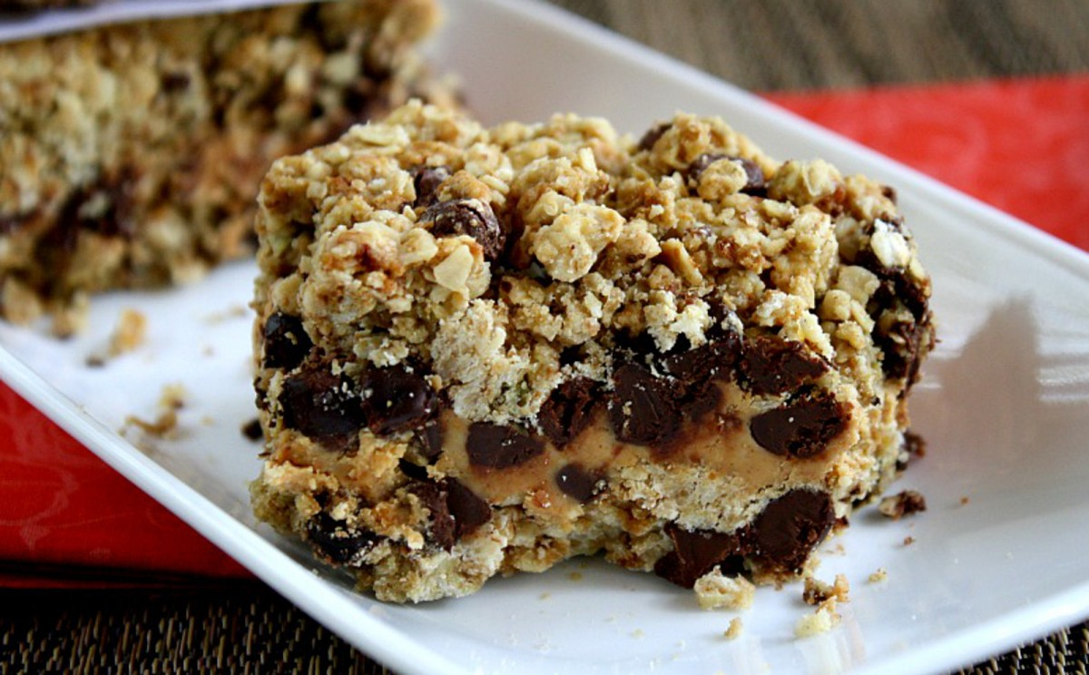 Peanut-Butter-and-Chocolate-Chip-Oat-Bars-1200x744