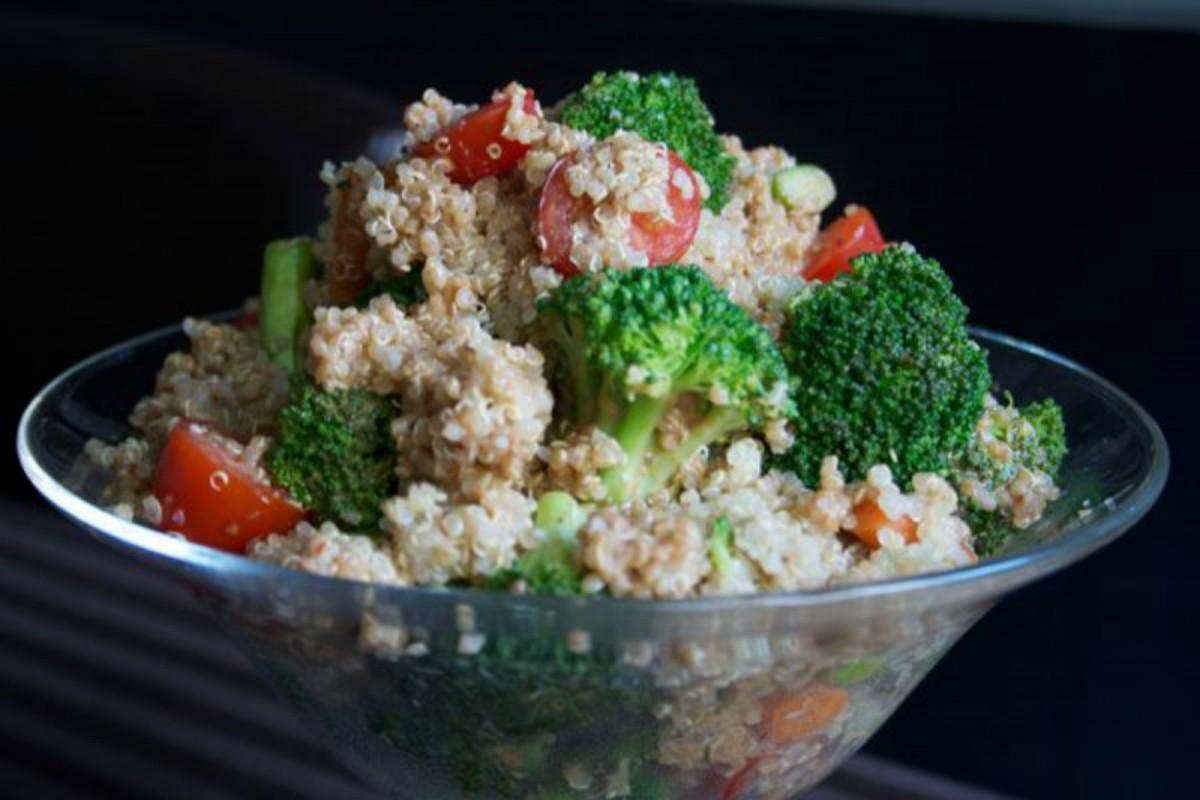 Quinoa-Salad-with-Creamy-Balsamic-Dressing1-1200x800 (1)