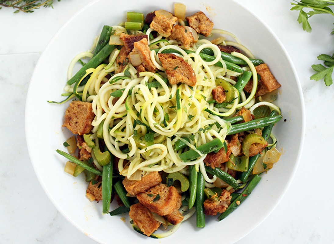 Zucchini-Pasta-Featuring-Garlic-Green-Beans-Vegan-Whole-Wheat-Stuffing-1095x800