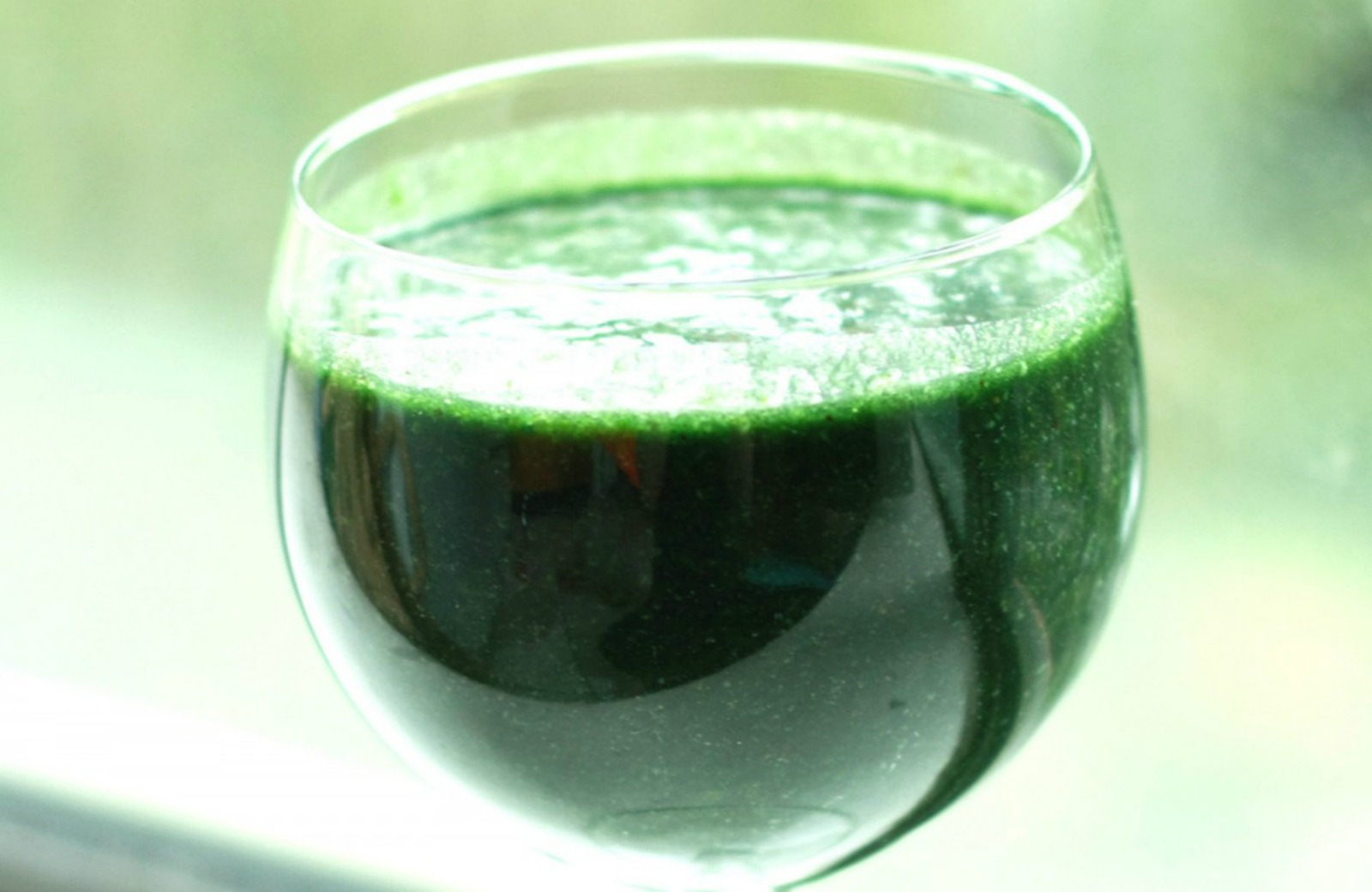 green-smoothie-1200x780