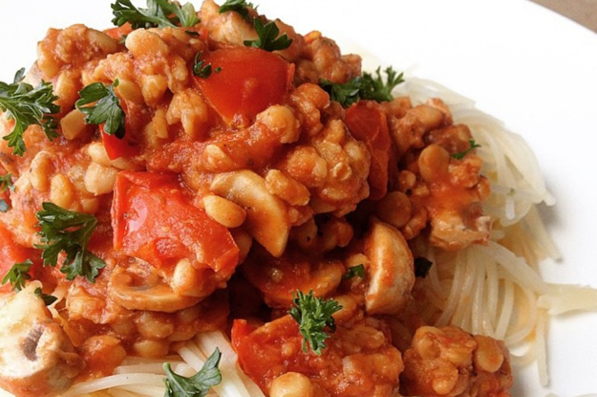 Gluten free Pasta With Tempeh Bolognese [Vegan, Gluten-Free]