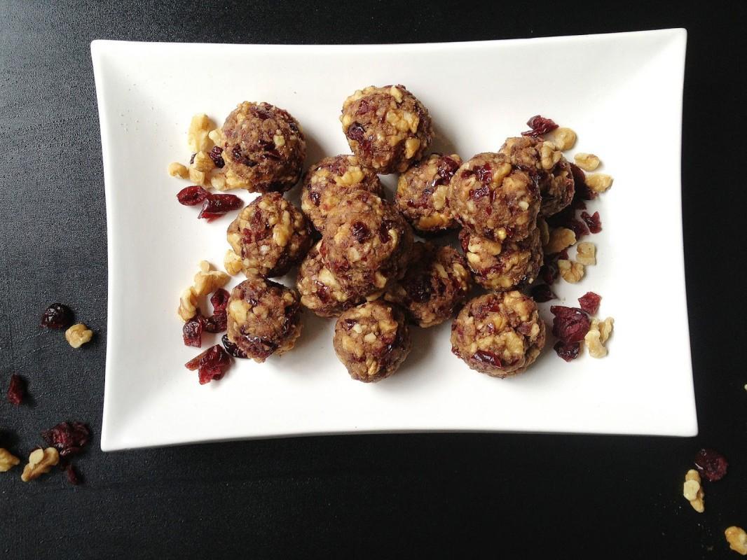 Cranberry-Date-Walnut-Protein-Balls-1066x800