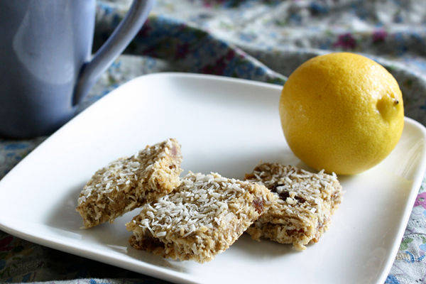 Lemon-Coconut-Breakfast-Bars1