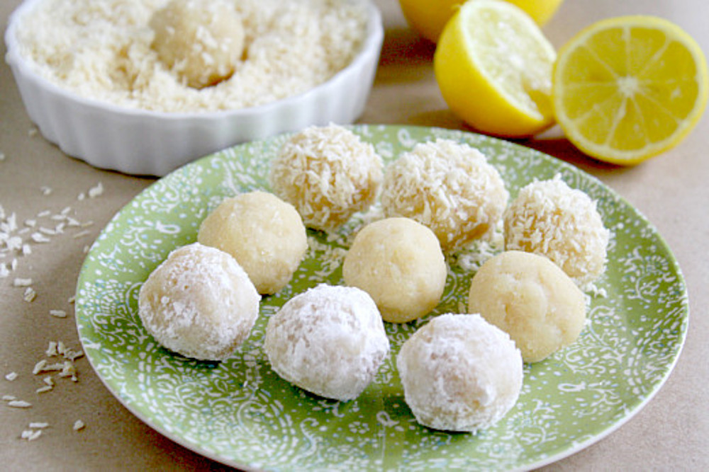 Raw-Vegan-Meltaway-Lemon-balls